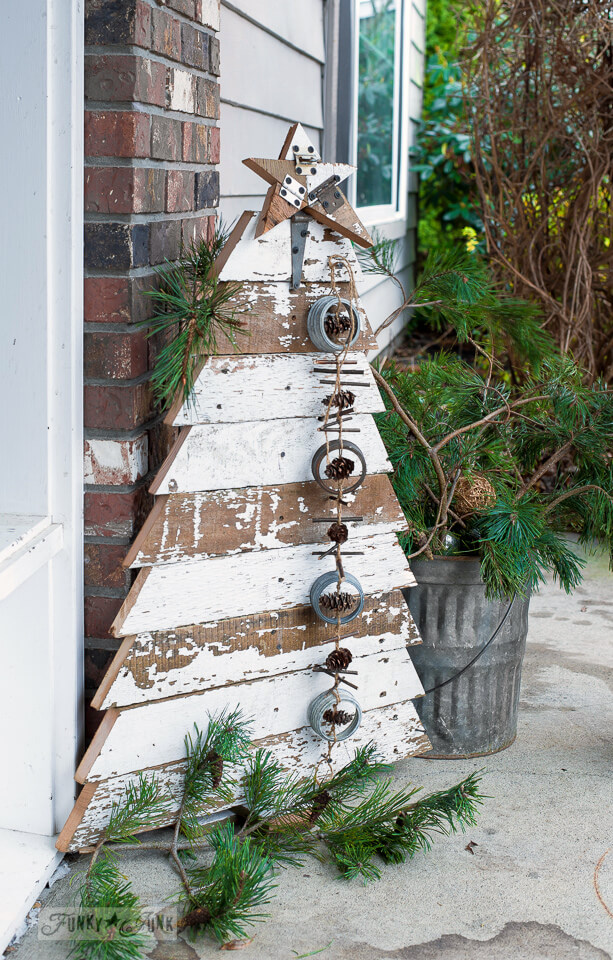 Shabby Chic Wood Christmas Tree