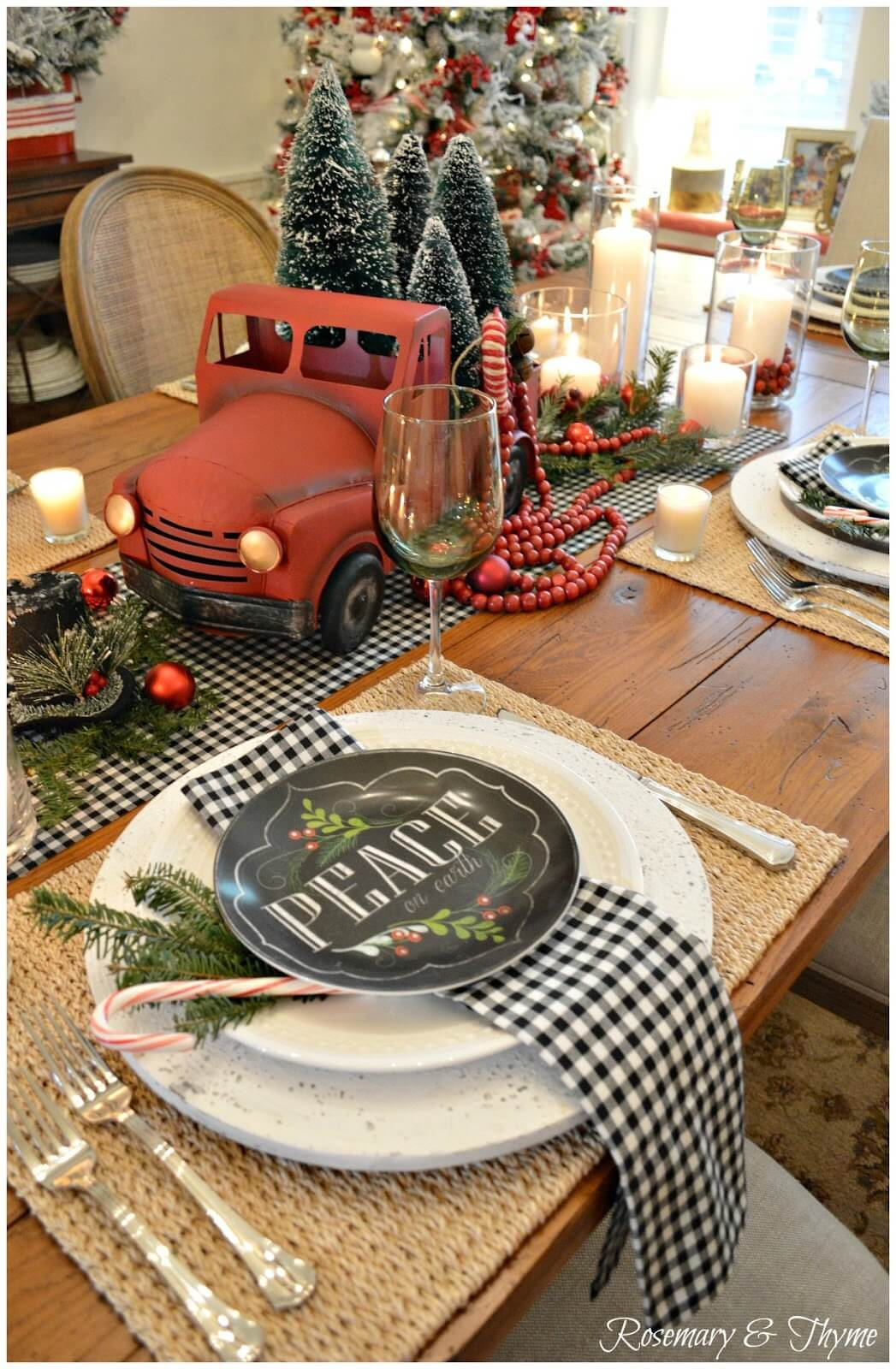 red christmas tree truck centerpiece - Vintage Farmhouse Christmas Decor