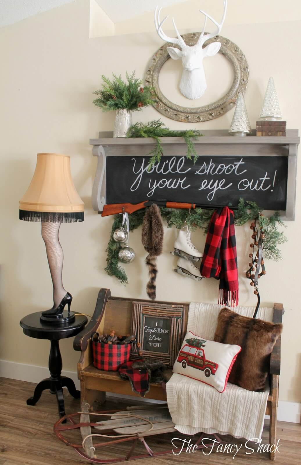 3 eclectic farmhouse style entryway with chalkboard - Christmas Wall Decoration Ideas