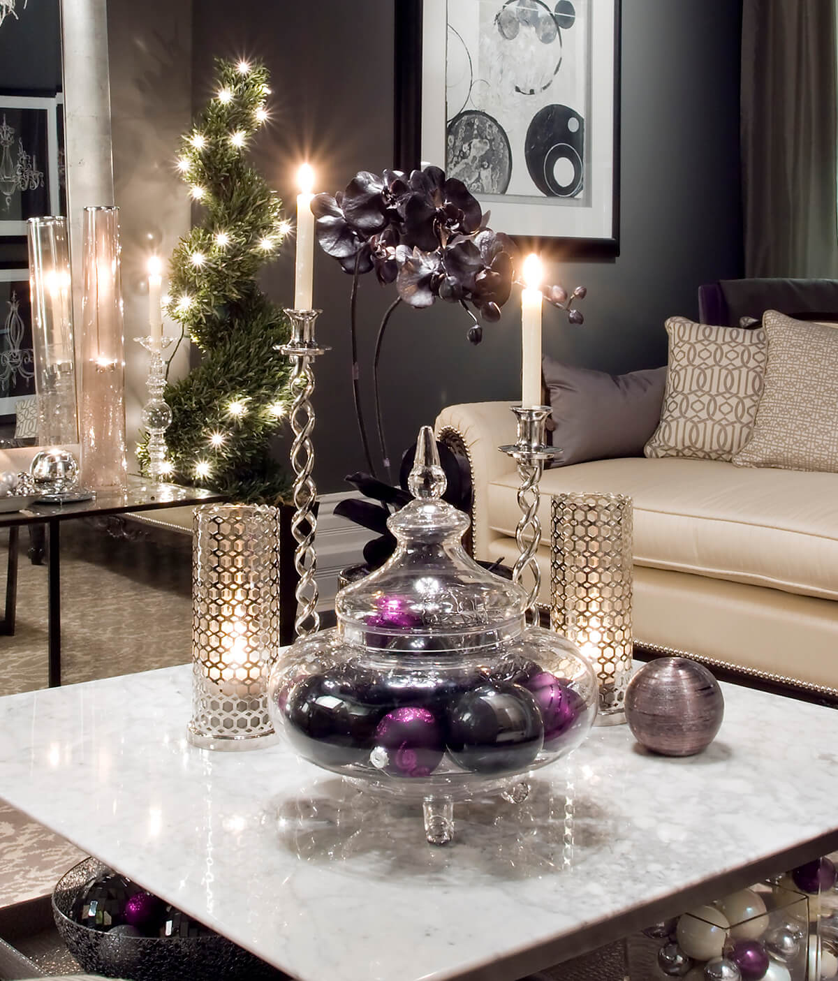 7 three kings royalty of purple and gold - How To Decorate Living Room For Christmas