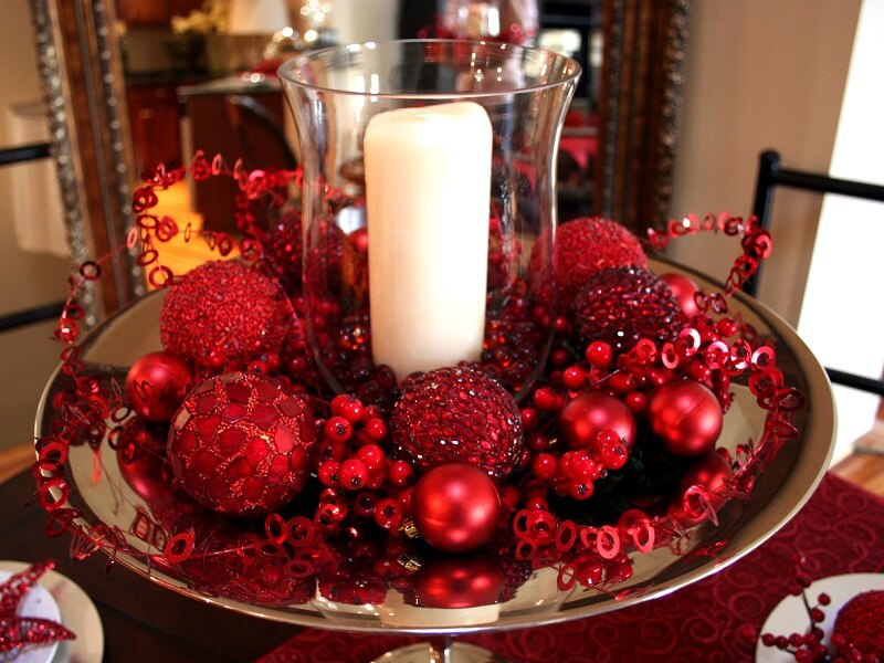 All Red Christmas Decoration Ideas with Candles