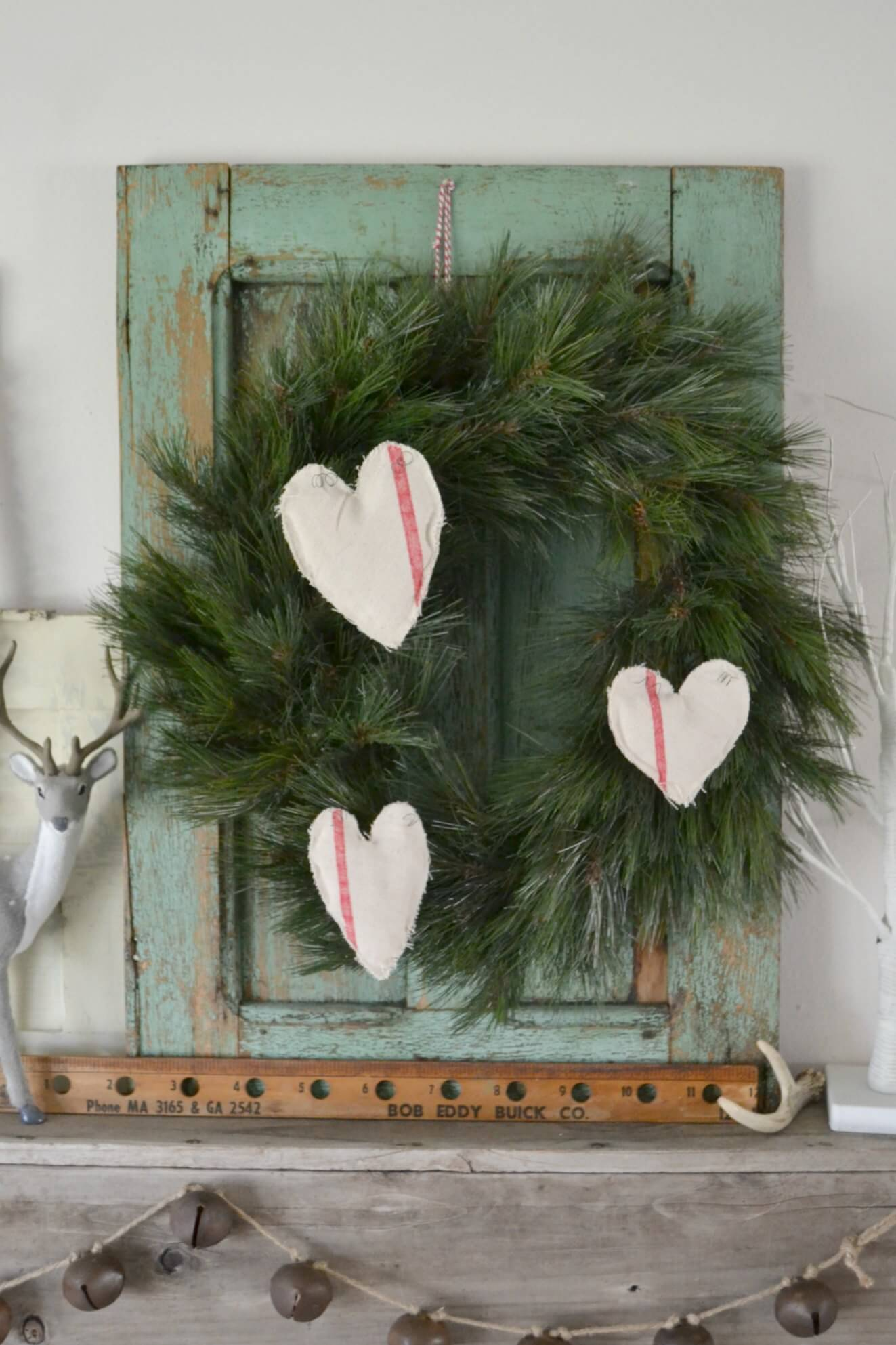 Creative Country Christmas Wall Decor