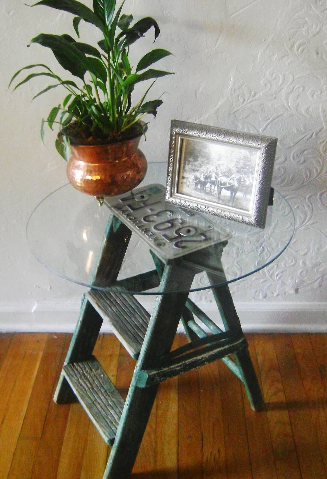 License Plate Top Ladder Table