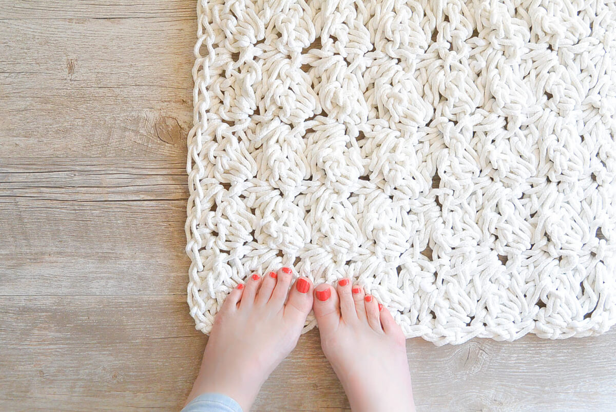 Simple, Cozy Faux Crochet Mat