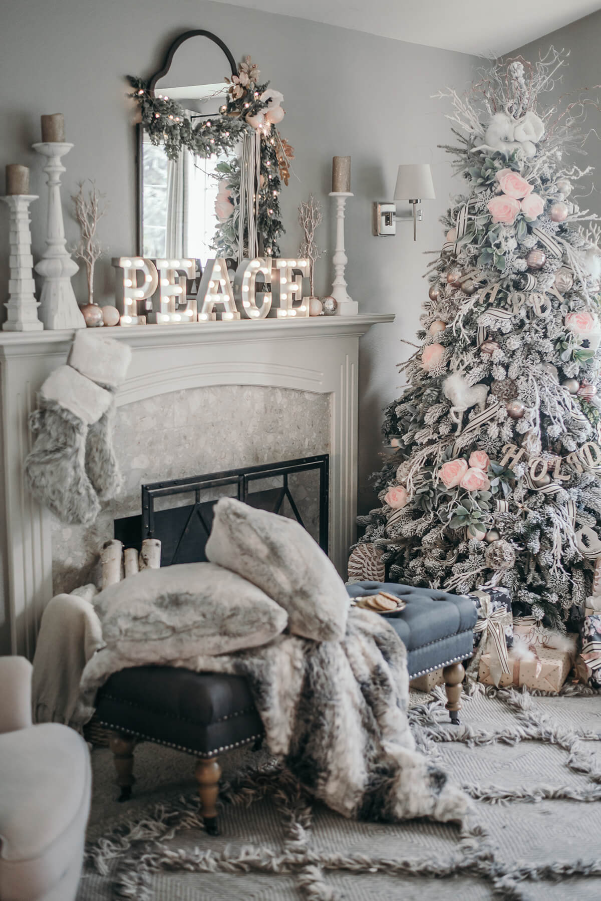 christmas peace in furry white - Christmas Room Decor