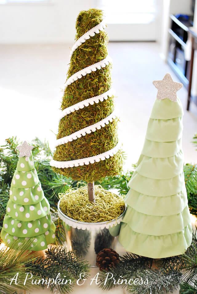 Tiny Moss Christmas Tree Idea