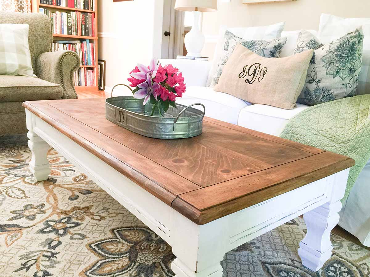 White DIY Farmhouse Coffee Table Ideas
