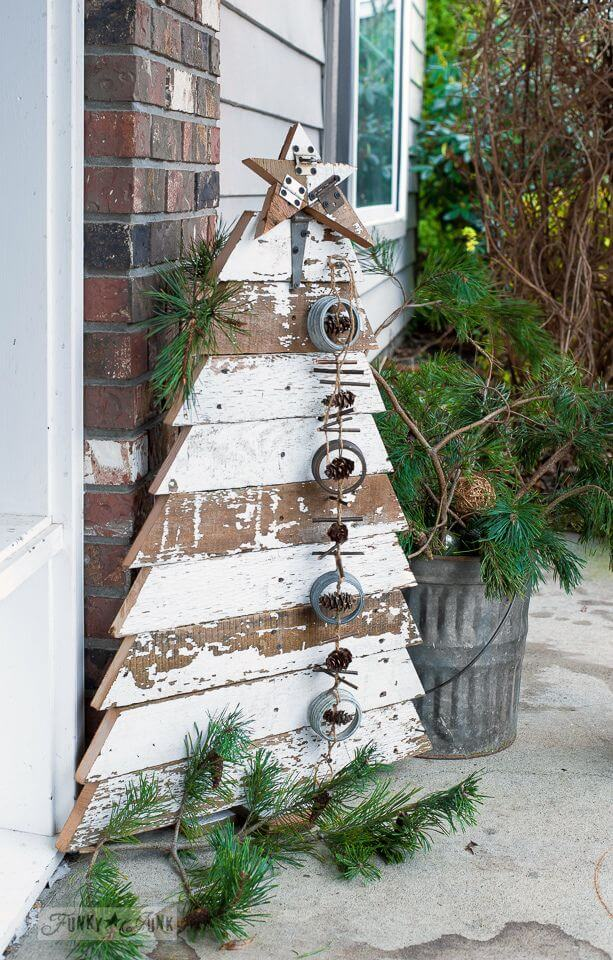 Whitewashed Wood Plank Christmas Tree