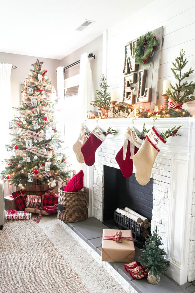 christmas red and beige sing noel - Christmas Room Decoration Ideas