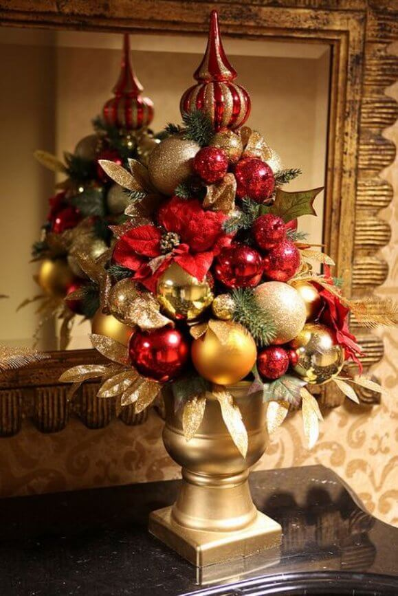old world elegance with gold urns - Red And Gold Christmas Decoration Ideas