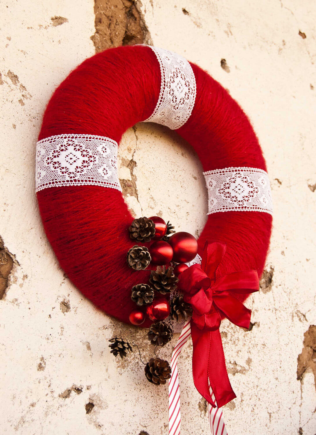 Unexpected Yarn and Lace Yuletide Accent