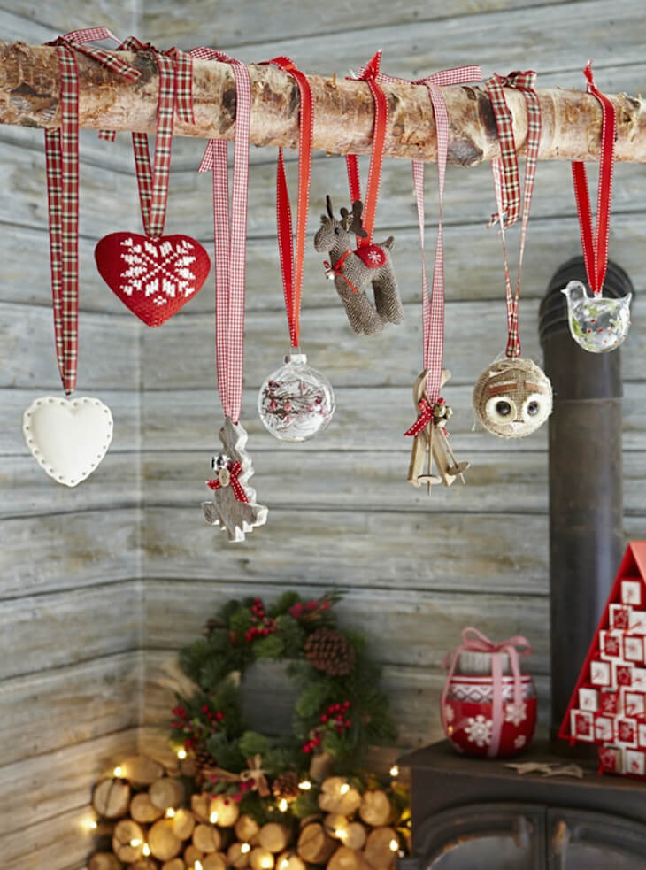 How to Decorate a Cabin for Christmas
