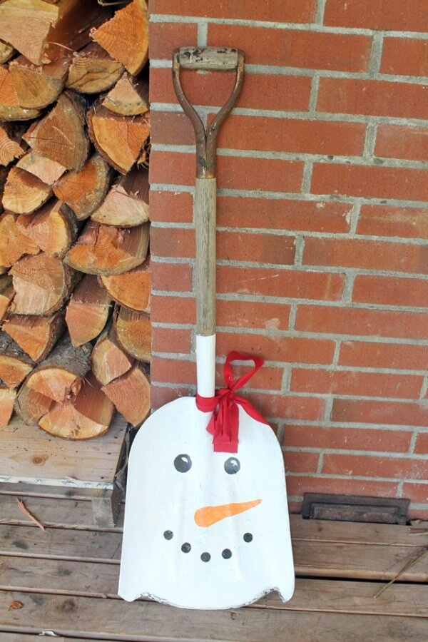 Snowman Painted Face Transfer Shovel