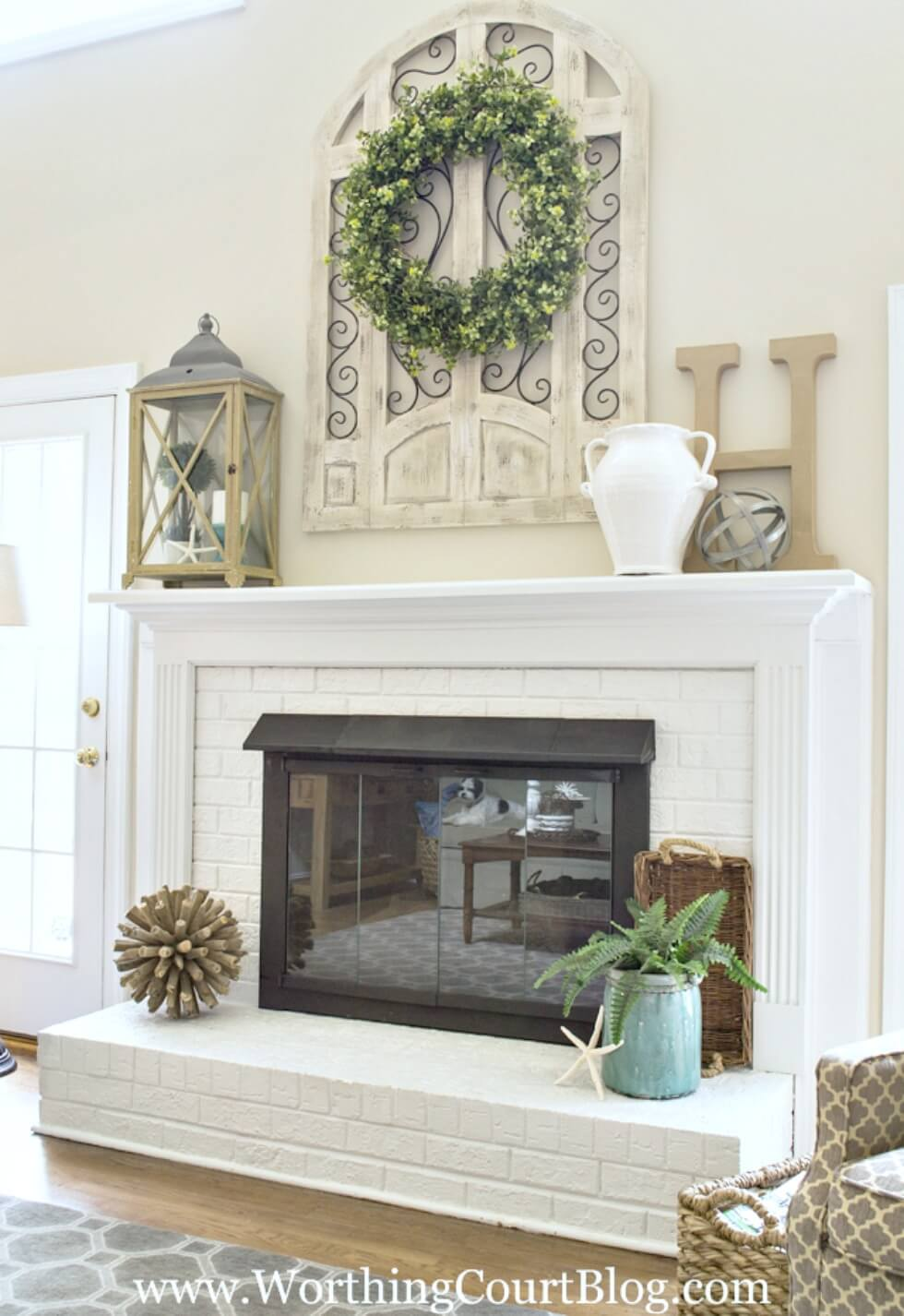 28 best farmhouse mantel decor ideas and designs for 2018 for Decor over fireplace