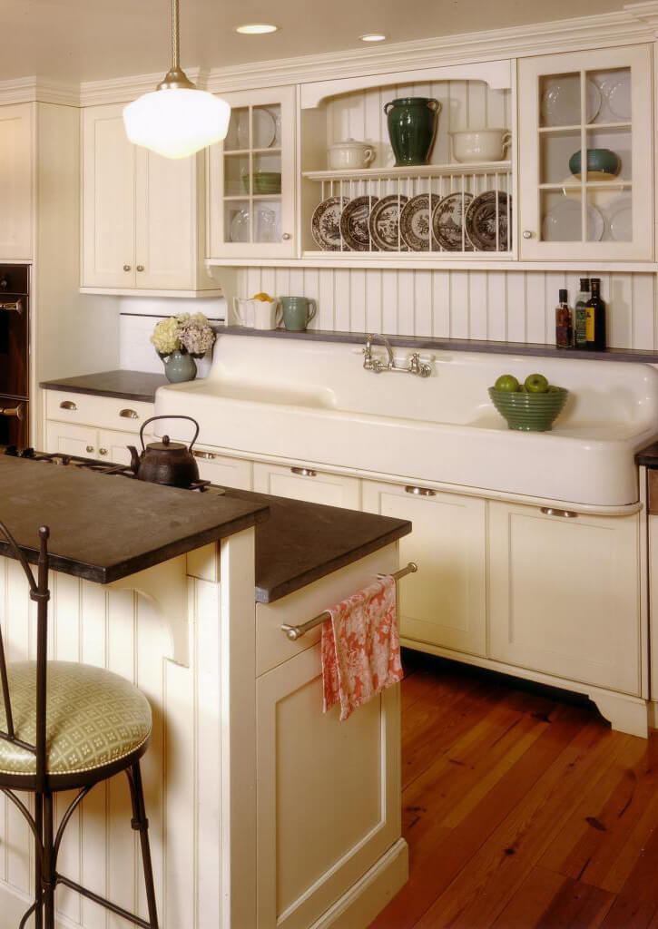 7. Schoolhouse Light Meets Farmhouse Sink
