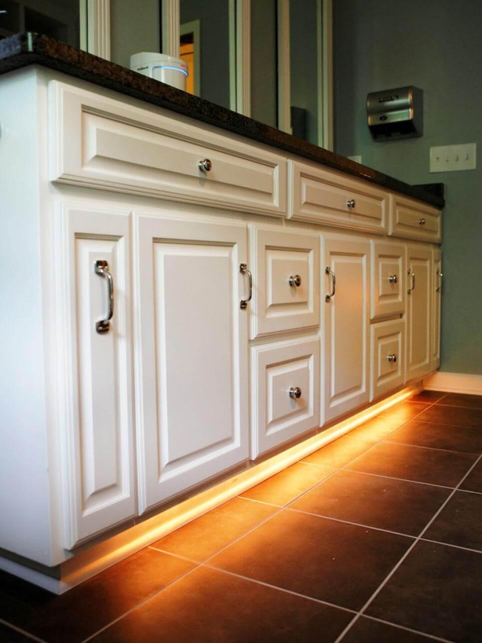 Elegant Under Cabinet Light Idea