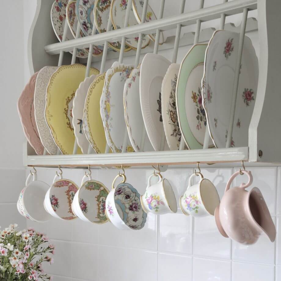 Vintage Kitchen Design Ideas for Teacup Collections