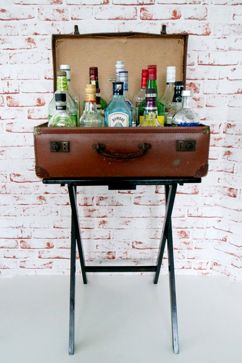 A Truly Portable Suitcase Bar