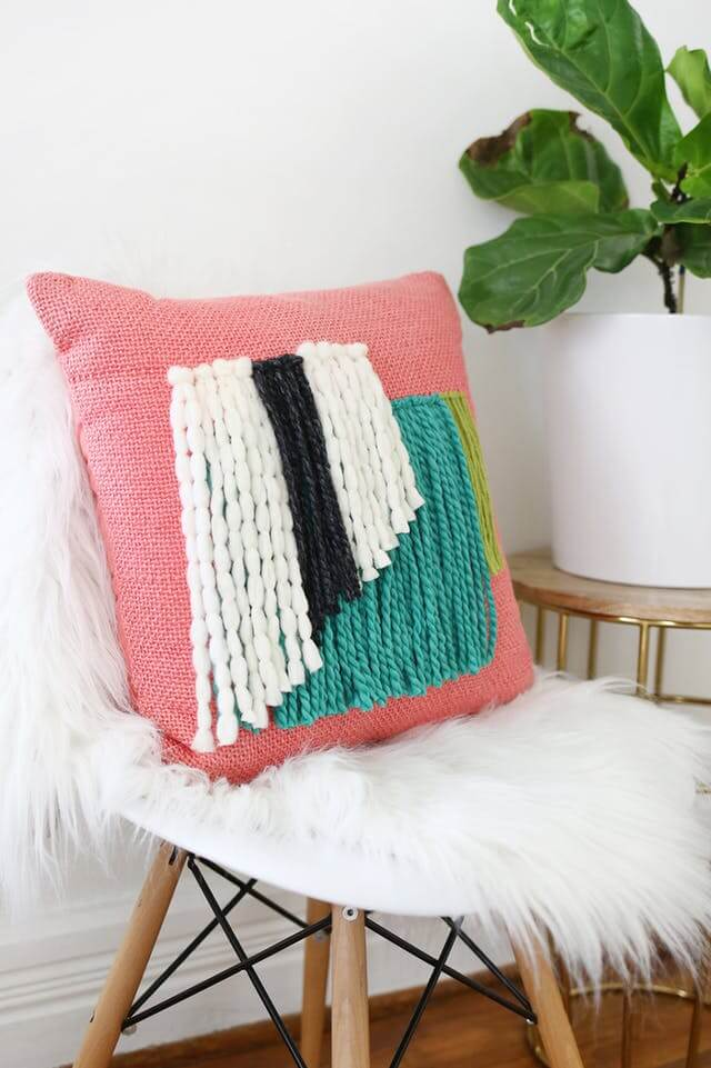 DIY Knotted Yarn Design Pillow