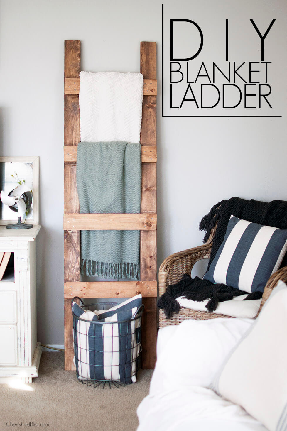 Charming DIY Living Room Decorating Ideas With Ladders