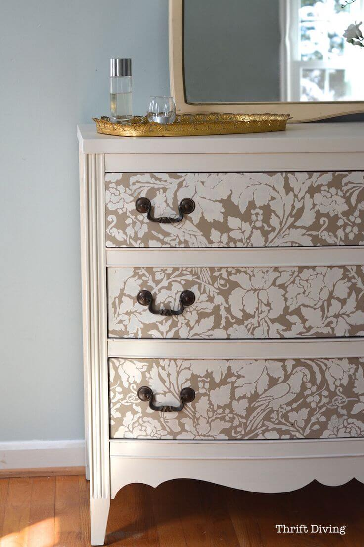 3 Elegant White And Gold Stencil