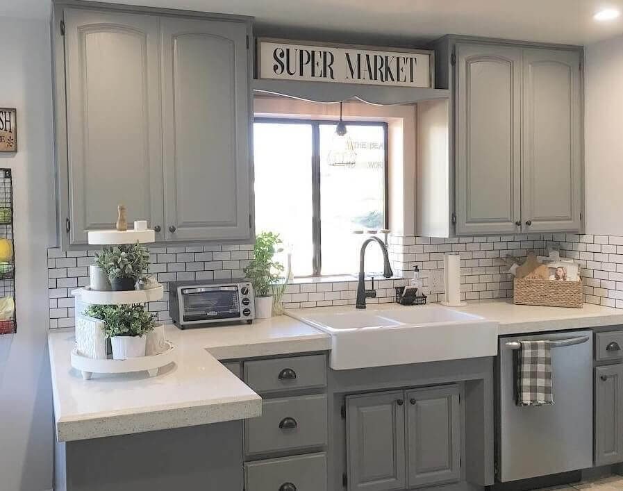 35 best farmhouse kitchen cabinet ideas and designs for 2018 for Kitchen ideas with grey cabinets