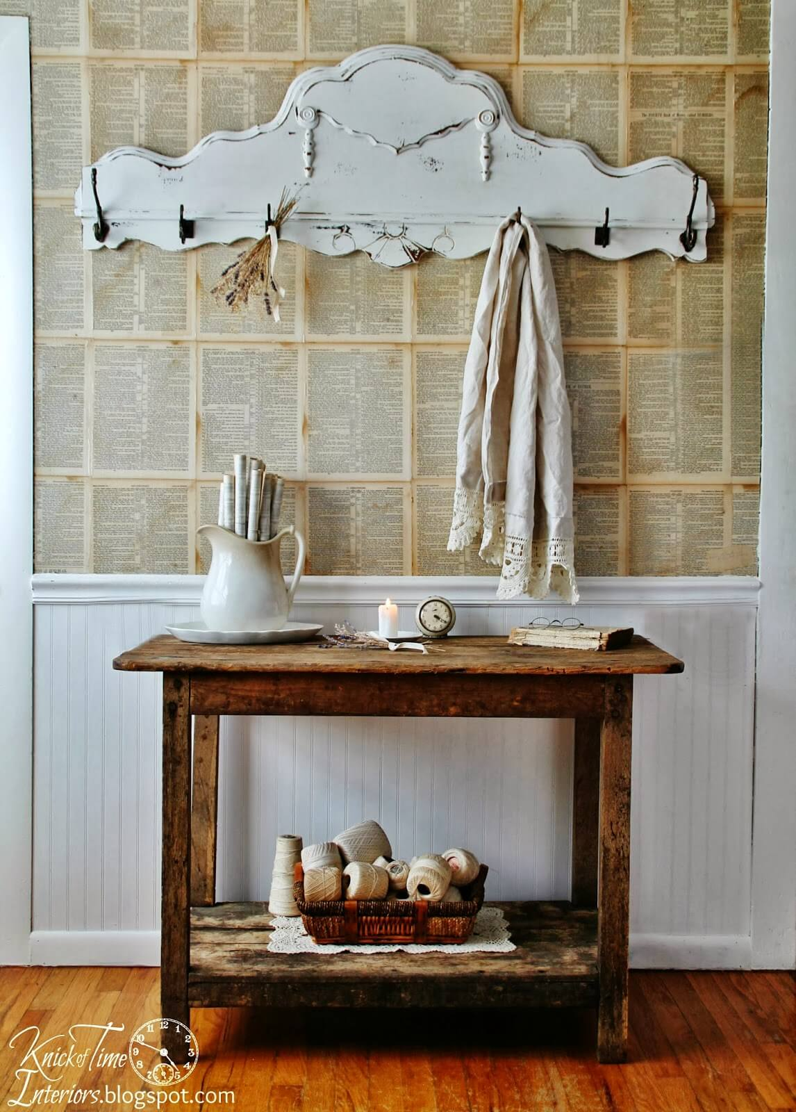 Antique-Style Entryway Coat Hanger