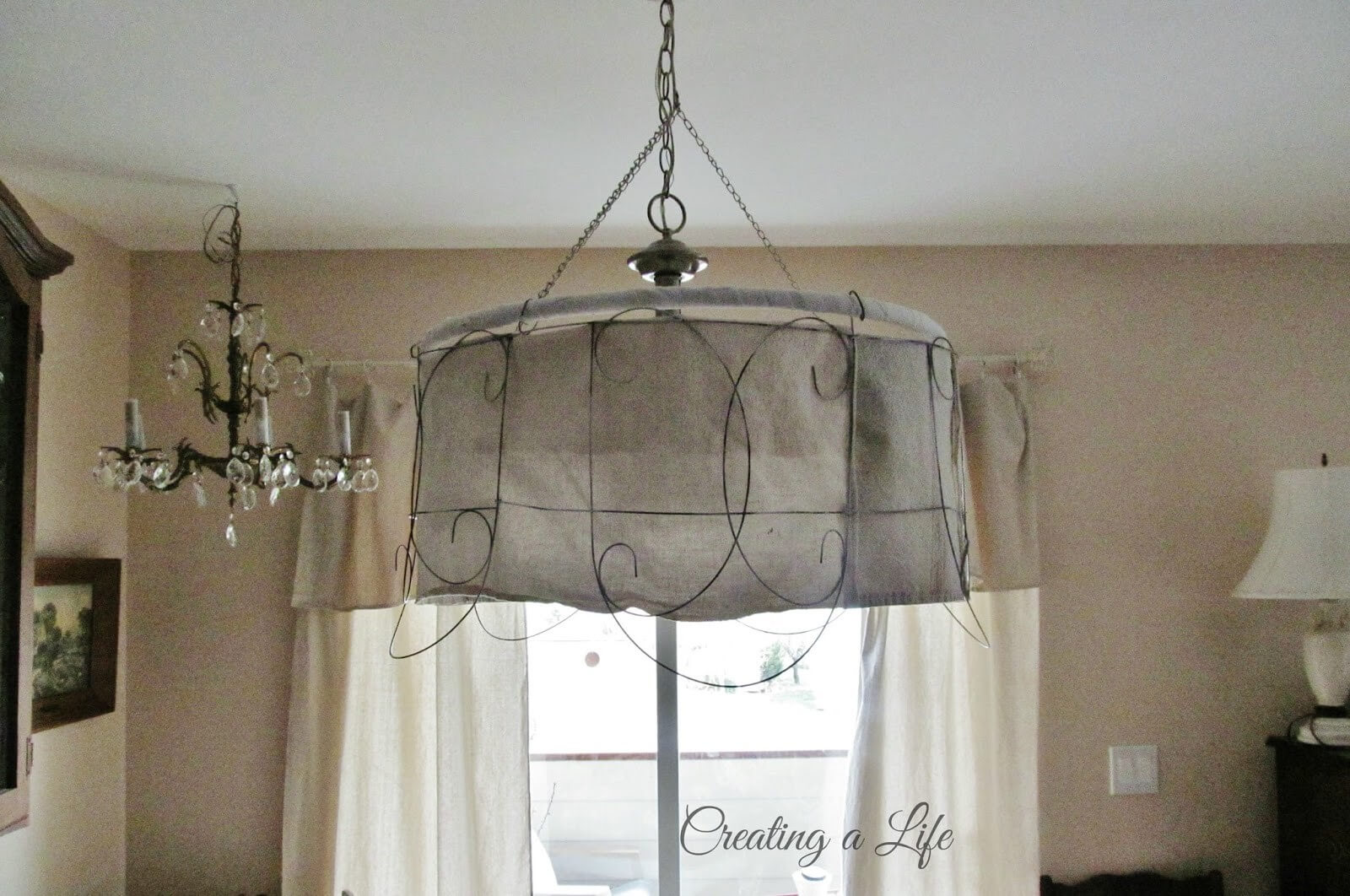 Decorative Wire Pendant Light With Burlap Lining