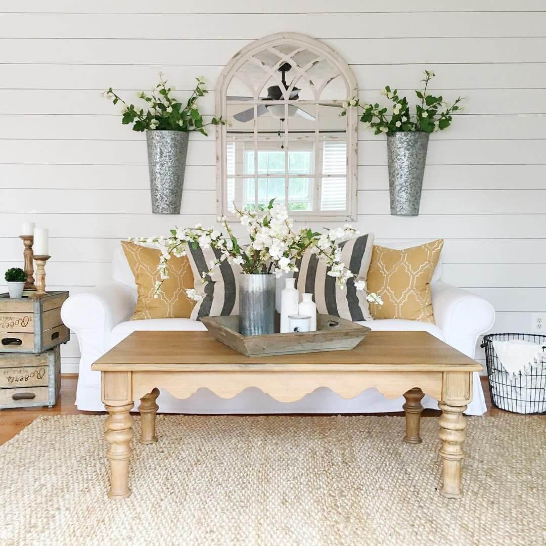 Distressed Farmhouse Living Room: 35+ Best Farmhouse Interior Ideas And Designs For 2020