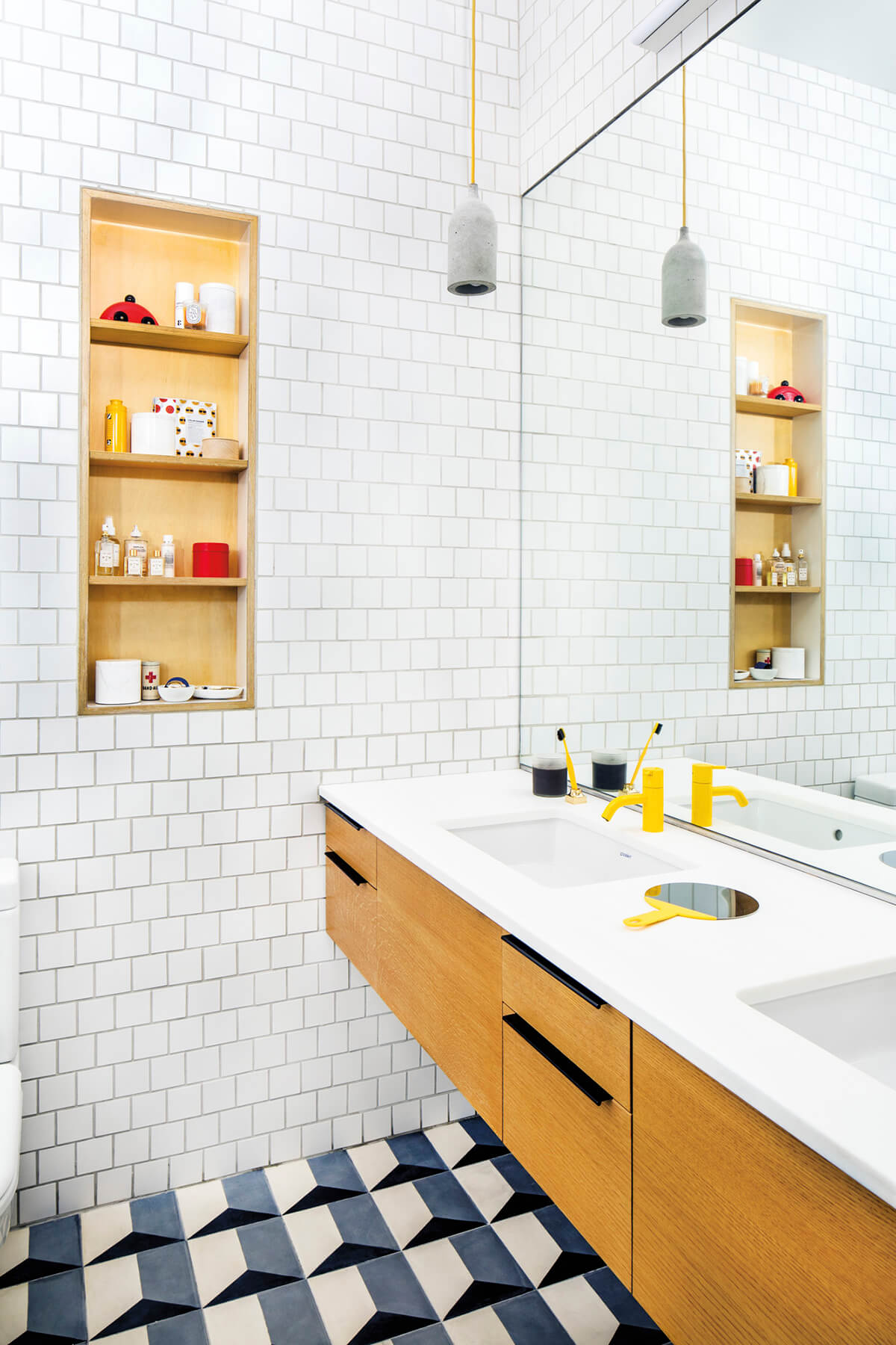 40 Best Space Saving Ideas and Projects for 2018