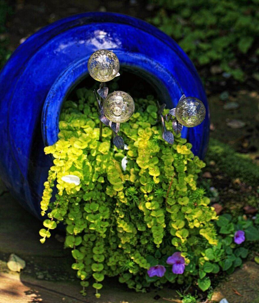 15 Amazing Spilling Flower Landscape Design Ideas: 22 Best Spilled Flower Pot Ideas And Designs For 2019