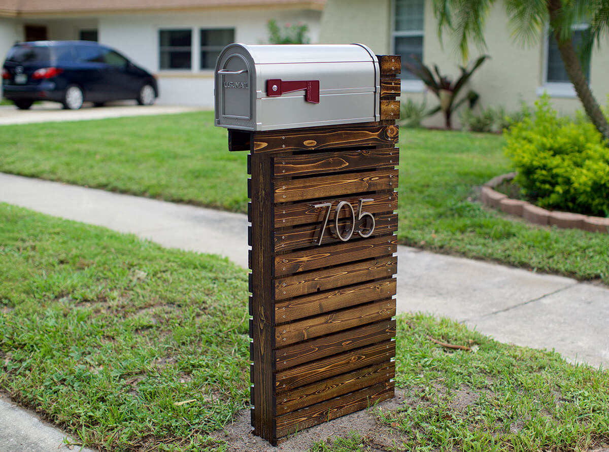 Simple Mailbox With Shiplap Style