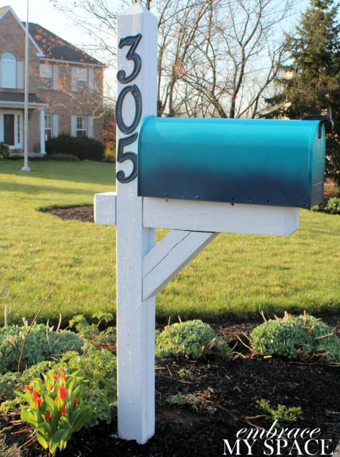 Eye-Catching Ombre Mailbox Ideas