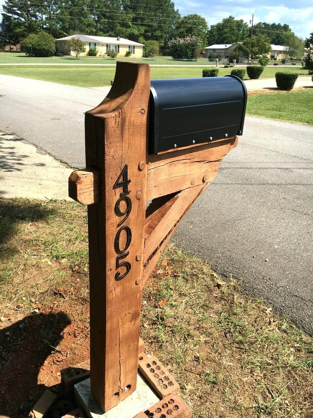 Classic Post and Beam Mailbox