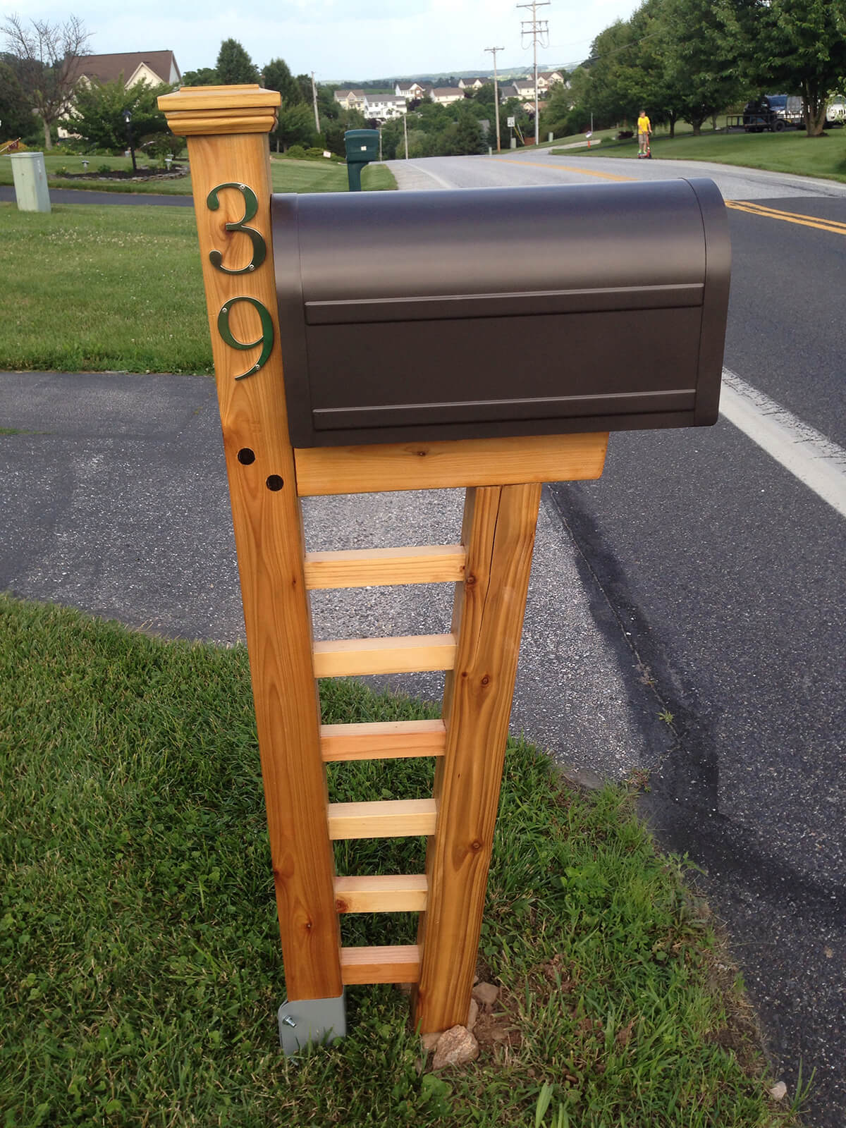 Clean Ladder Style Mailbox
