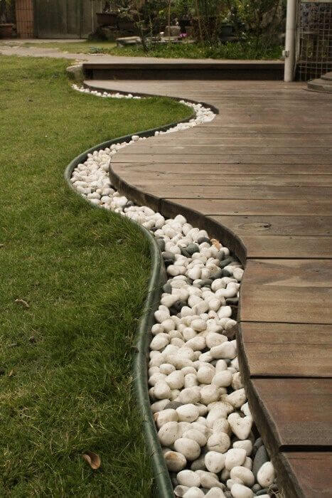 Modern Deck Edge with River Stones