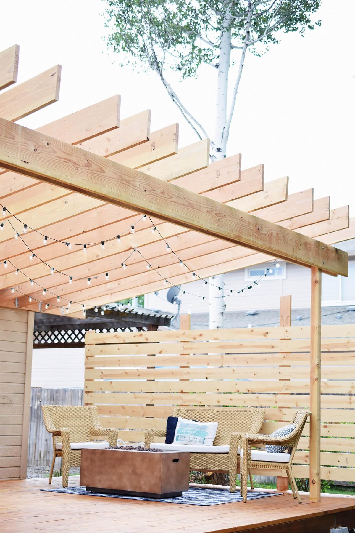 Amphitheater Patio Deck for an Incredible Outdoor Retreat