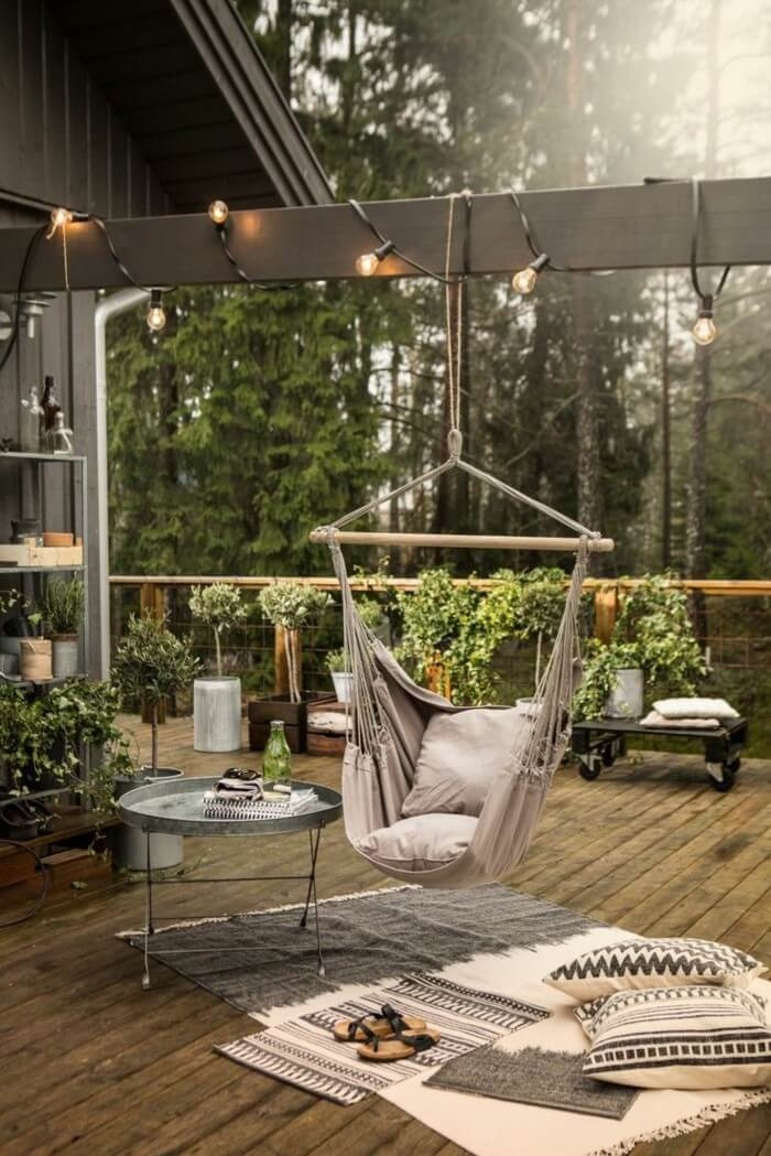 Relaxing Outdoor Living Spaces with a Hammock Swing