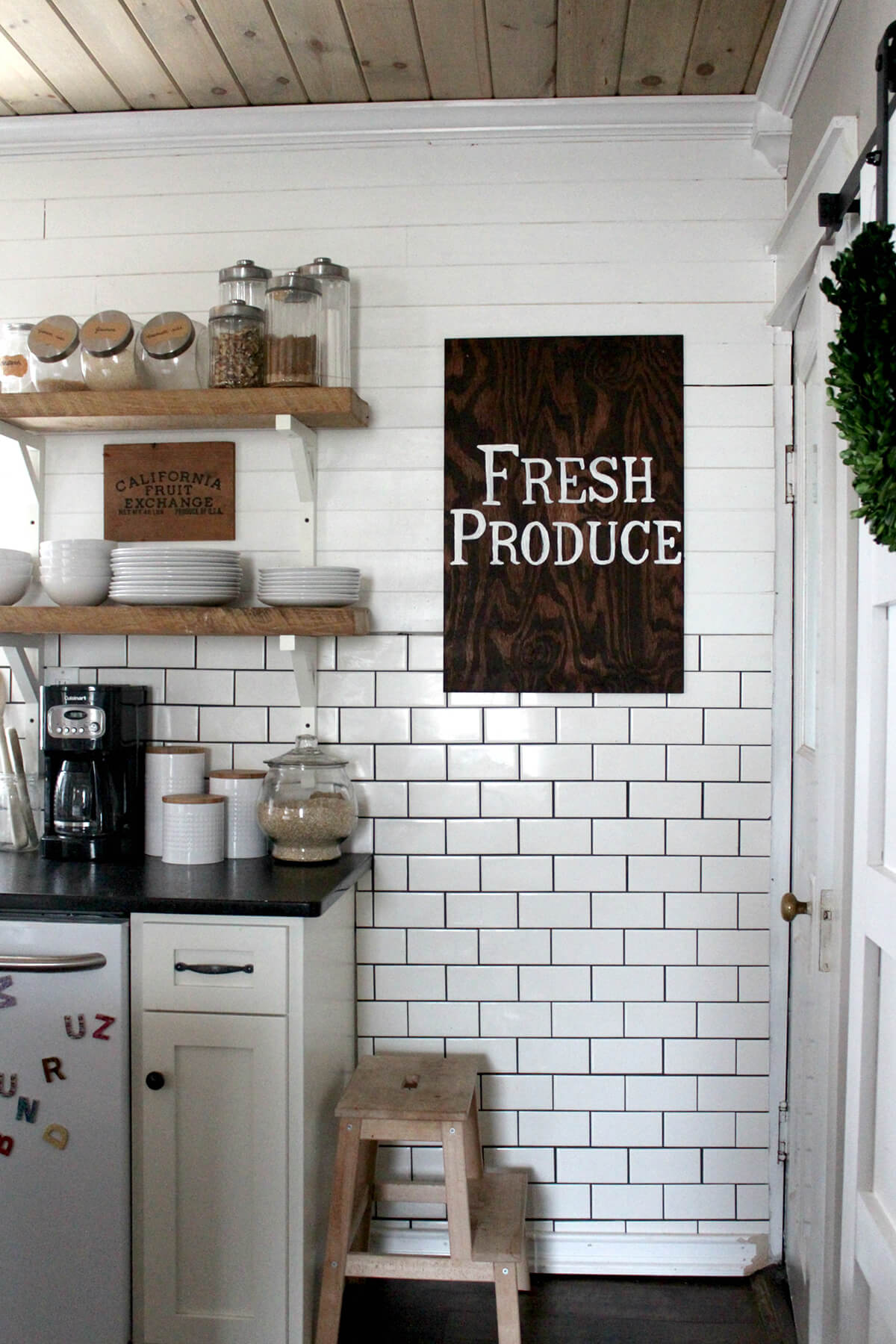 8+ Best DIY Farmhouse Kitchen Decor Projects and Ideas for 8