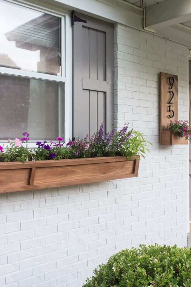 Simple and Modern Wooden Flower Box