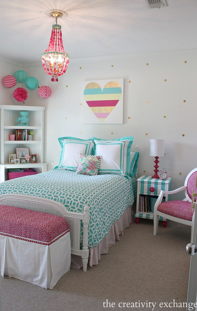 Kid Room Decor Idea With Heart Wall Art
