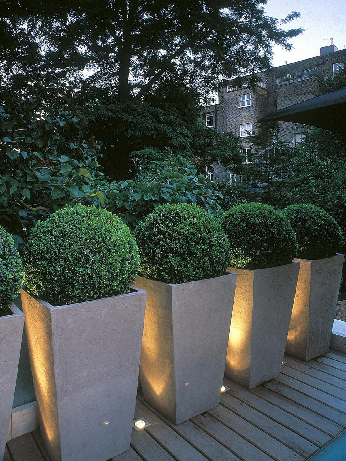 25 Best Landscape Lighting Ideas And Designs For 2020