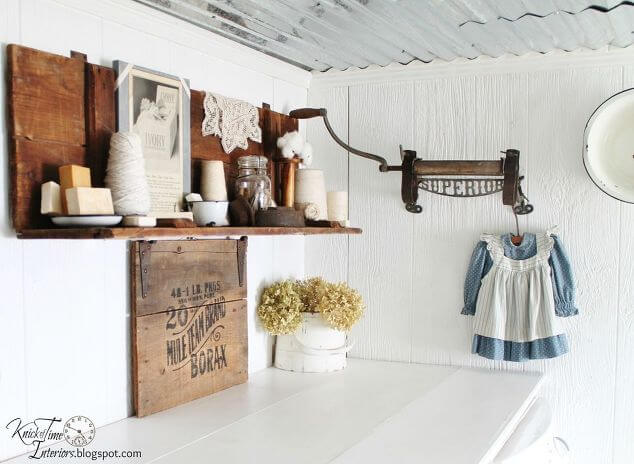 Homey Old Fashioned Touched Laundry Room