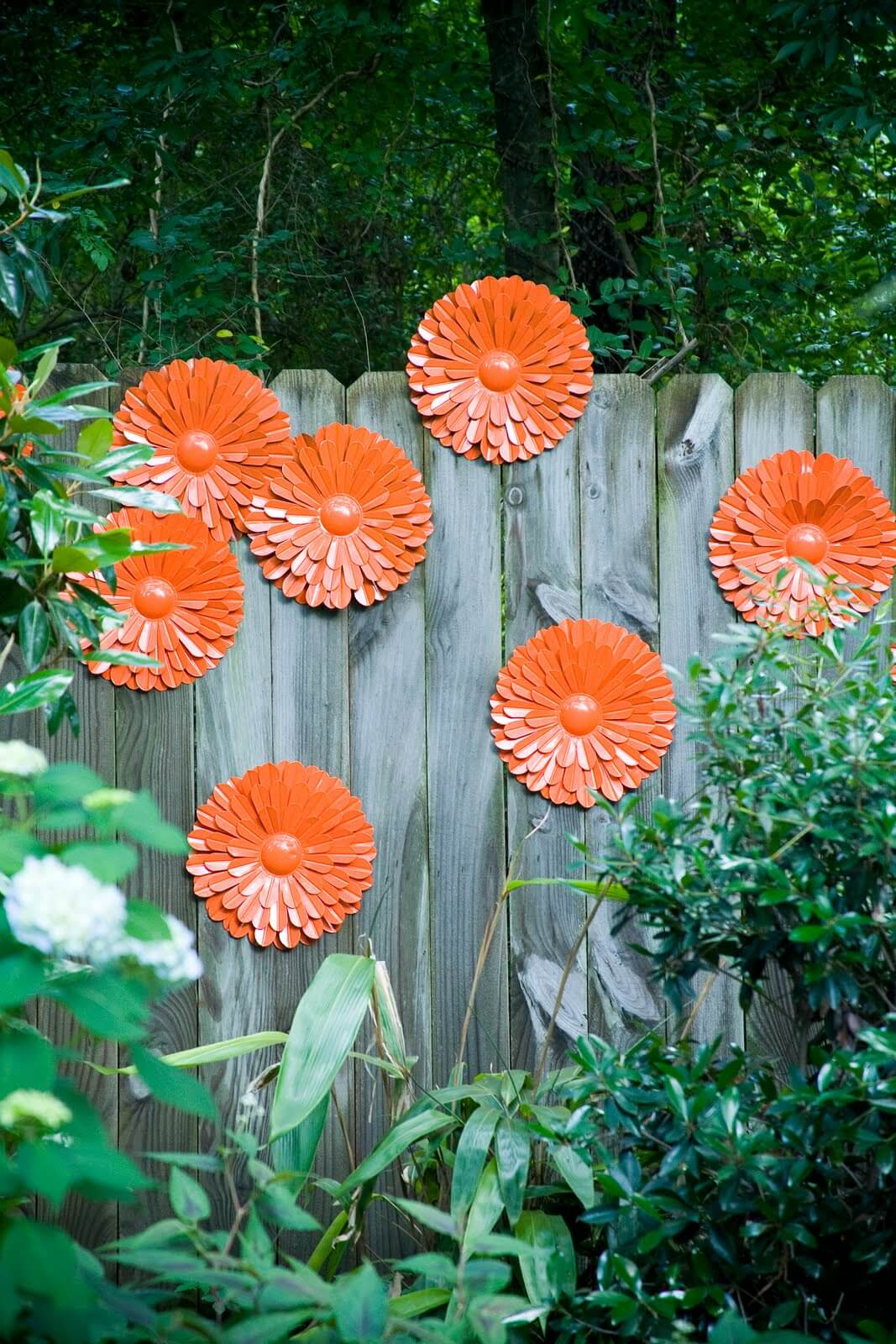 31 Best Garden Fence Decoration Ideas and Designs for 2020