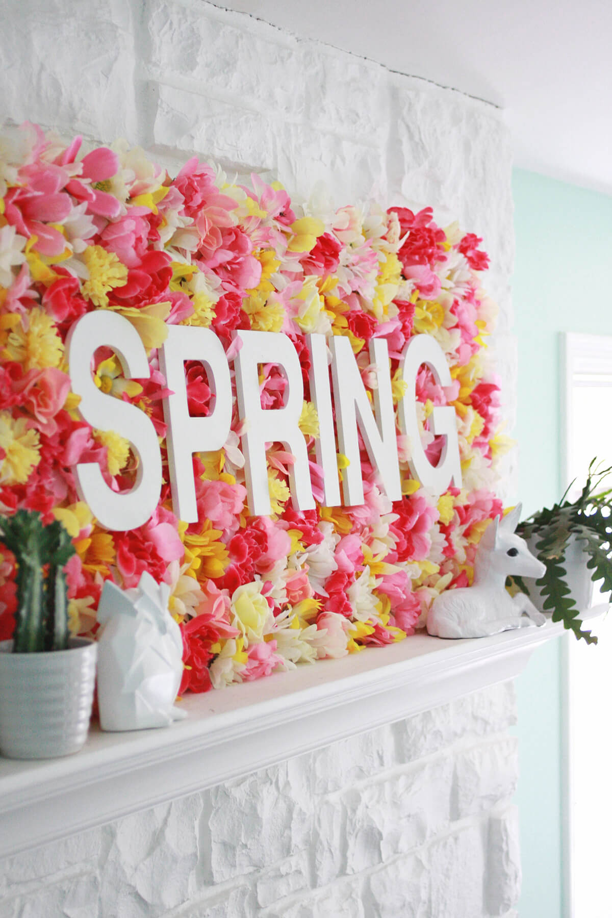 DIY Bold and Beautiful Mantle Centerpiece