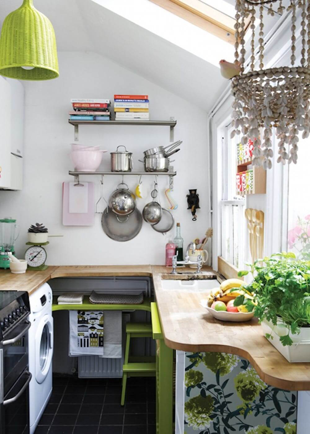 Small Kitchen Design Idea with Open Shelves