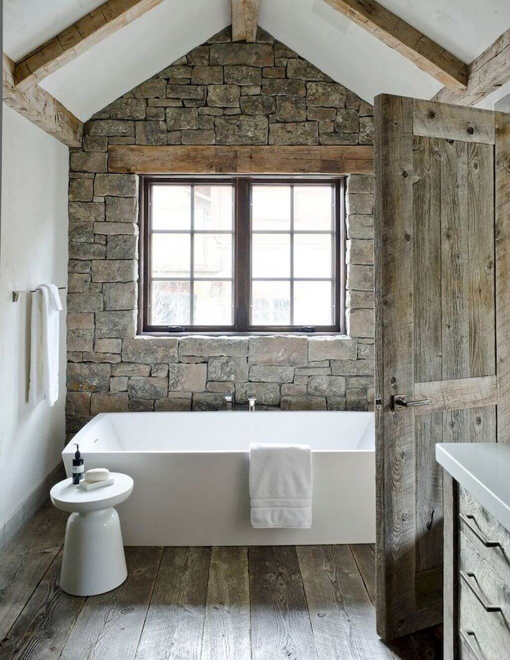 4 Best Cottage Style Bathroom Ideas and Designs for 4