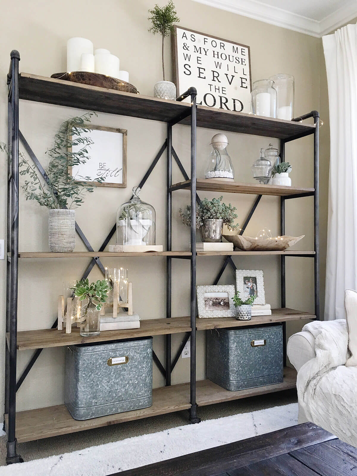 26 best farmhouse shelf decor ideas and designs for 2019 - Open shelving living room ...