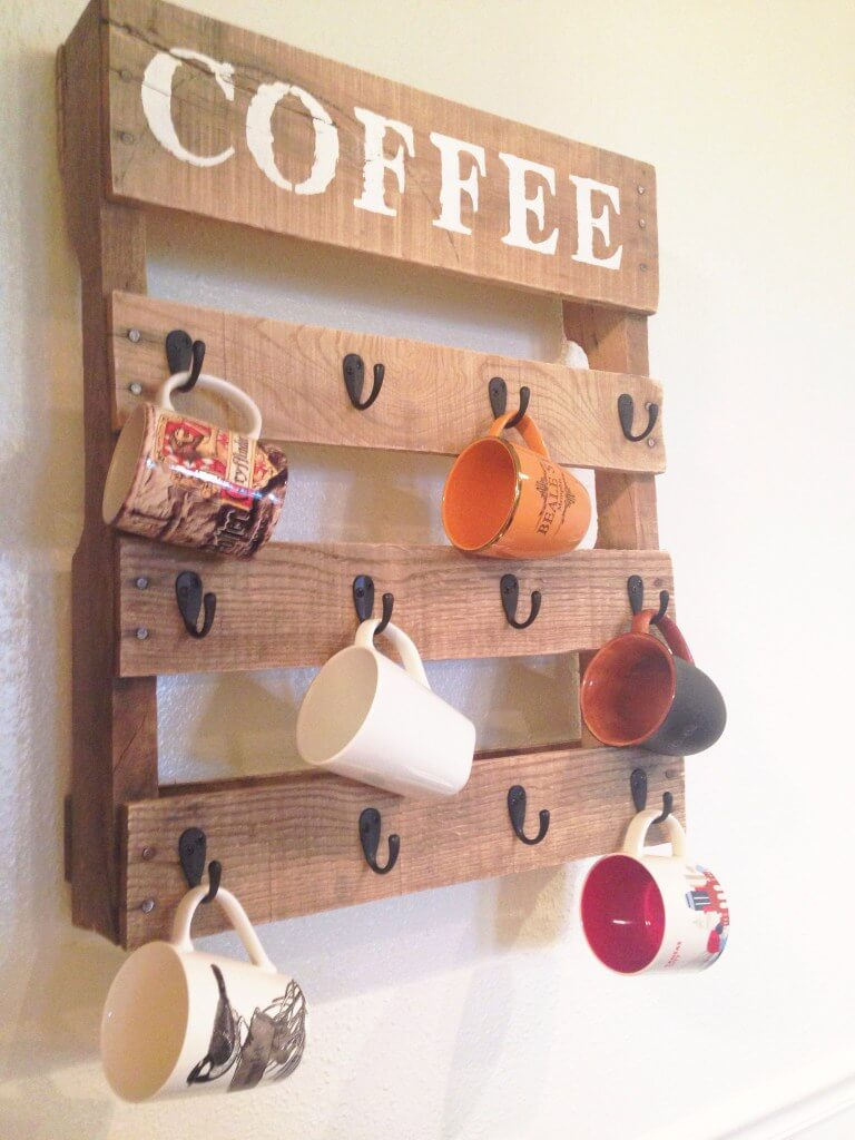 DIY Coffee Mug Holders Made of Pallets
