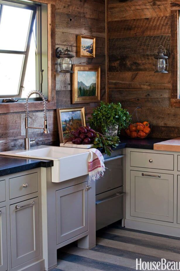 Logwood Cabin Kitchen Corner